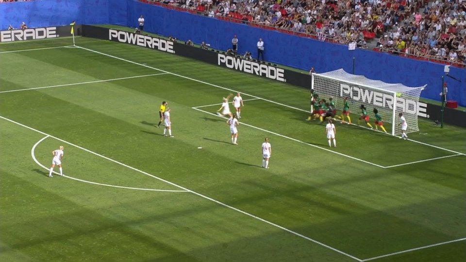 Francia e Inghilterra volano ai quarti