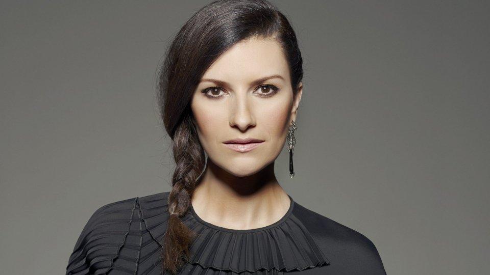 """Laura Pausini: """"Ho bisogno di fermarmi"""""""