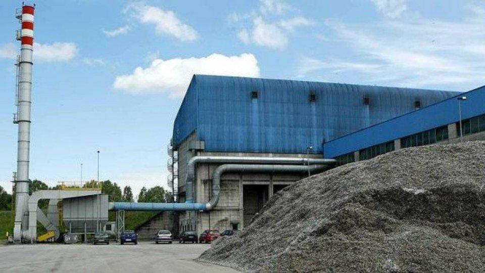Foto: Il Resto del CarlinoChiude l'inceneritore di Ravenna. La conferenza stampa della Regione Emilia-Romagna