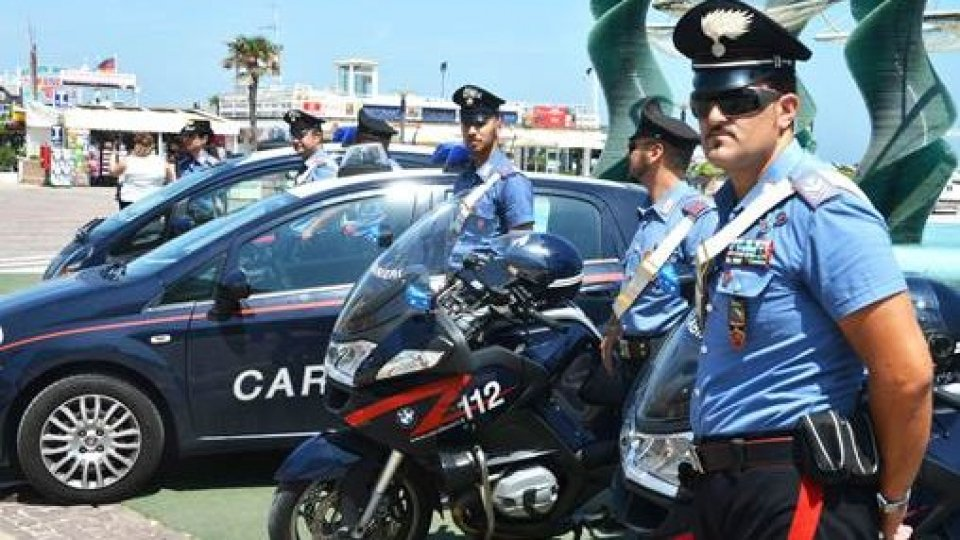 Riccione: lite degenera in accoltellamento, arrestato 20enne