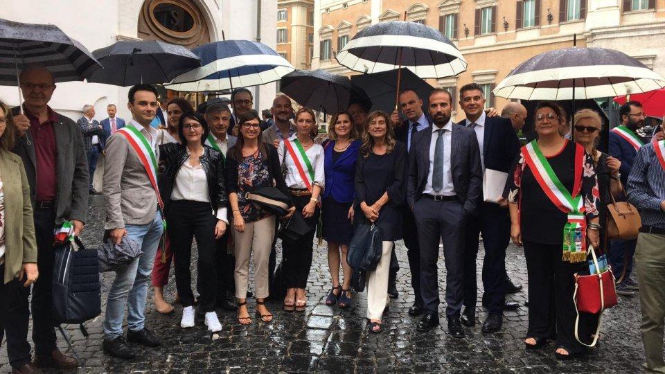 Tagli alle fusioni di Comuni: a rischio le risorse per Montescudo-Monte Colombo e Poggio Torriana