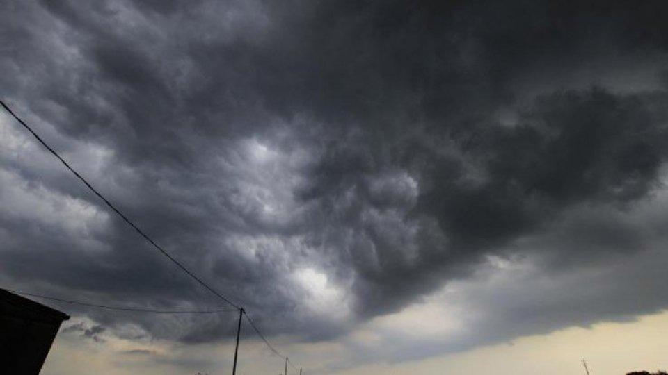 Il maltempo non allenta la morsa: piogge e temperature giù