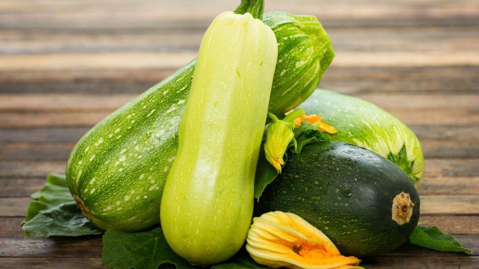 Zucchine ripiene con erbe aromatiche e farro