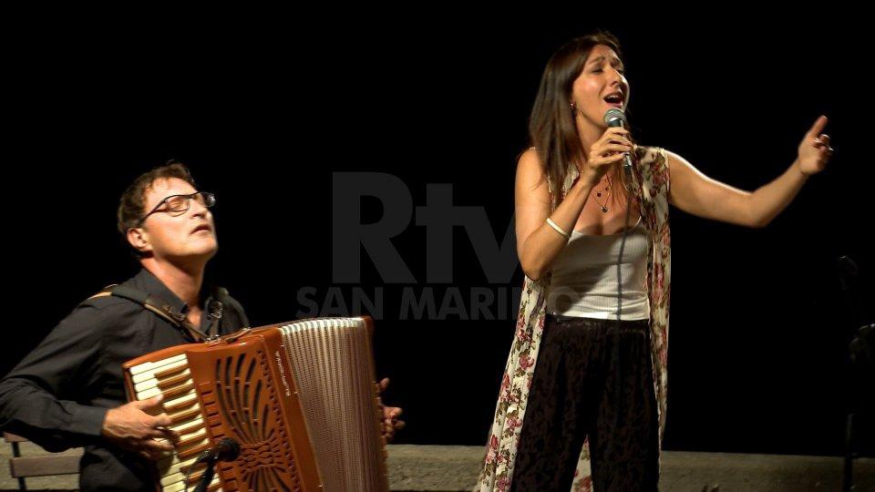 La PIAF e la CHANSON sul Pianello dalla voce di SARA JANE GHIOTTI