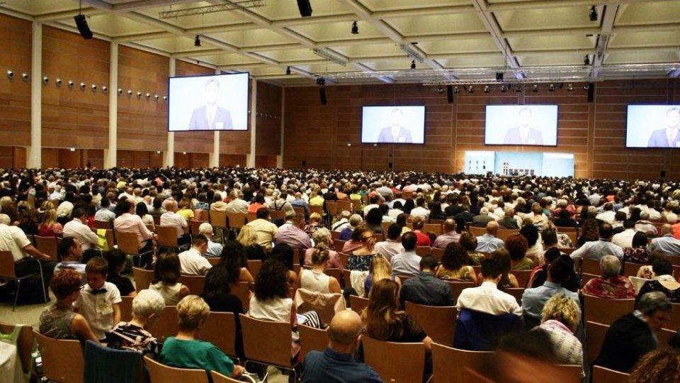 """In 7.000 a Rimini  per il  Congresso dei Testimoni di Geova dal tema """"L'amore non vien mai meno"""". I partecipanti da San Marino, Romagna e Marche"""