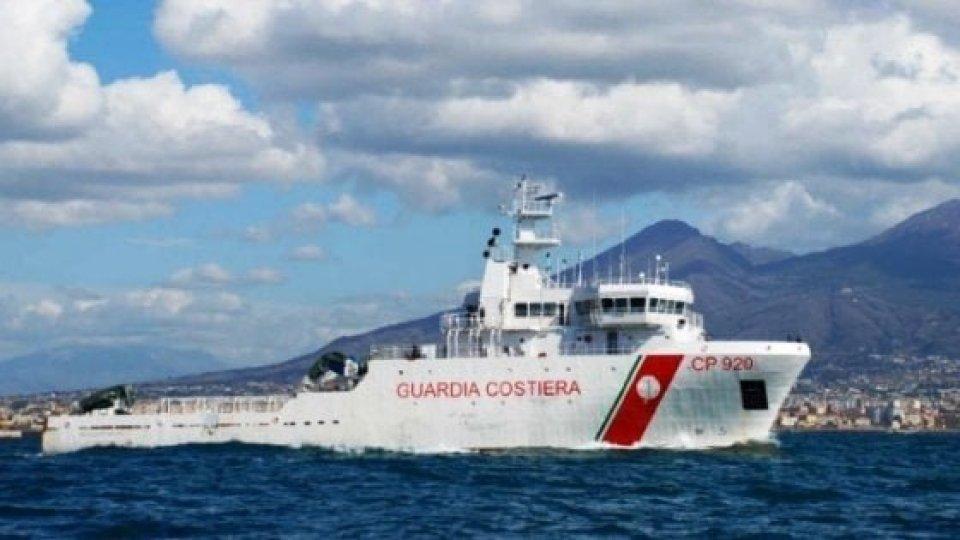 Nave Gregoretti ad Augusta, in attesa di risposte dalla UE sugli oltre 130 migranti a bordo