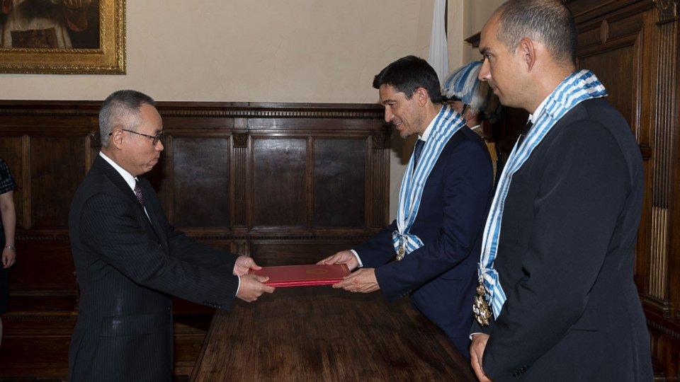 Segreteria Affari Esteri: Lettere Credenziali per il nuovo ambasciatore cinese accreditato in Repubblica