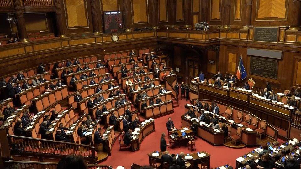 Italia, è già scontro sui tempi della crisi di governo