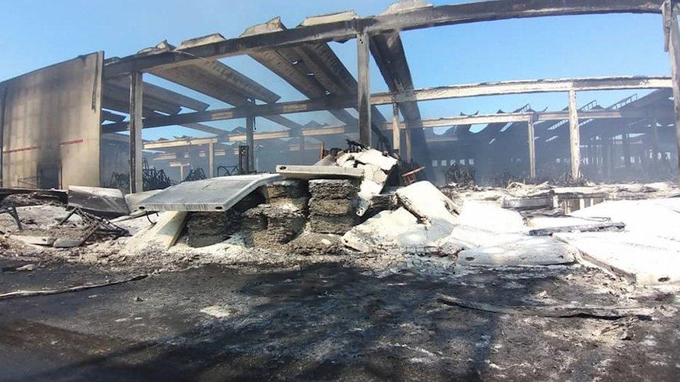 Incendio a Faenza: rogo spento, c'è attesa per gli esiti delle analisi specifiche sulla qualità dell'aria