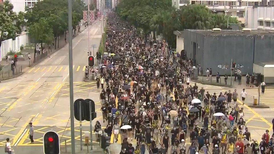 Hong Kong: continuano gli scontri