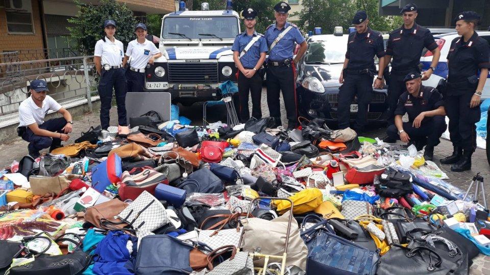 Bellaria: blitz anti-abusivismo, sequestrate 800 borse