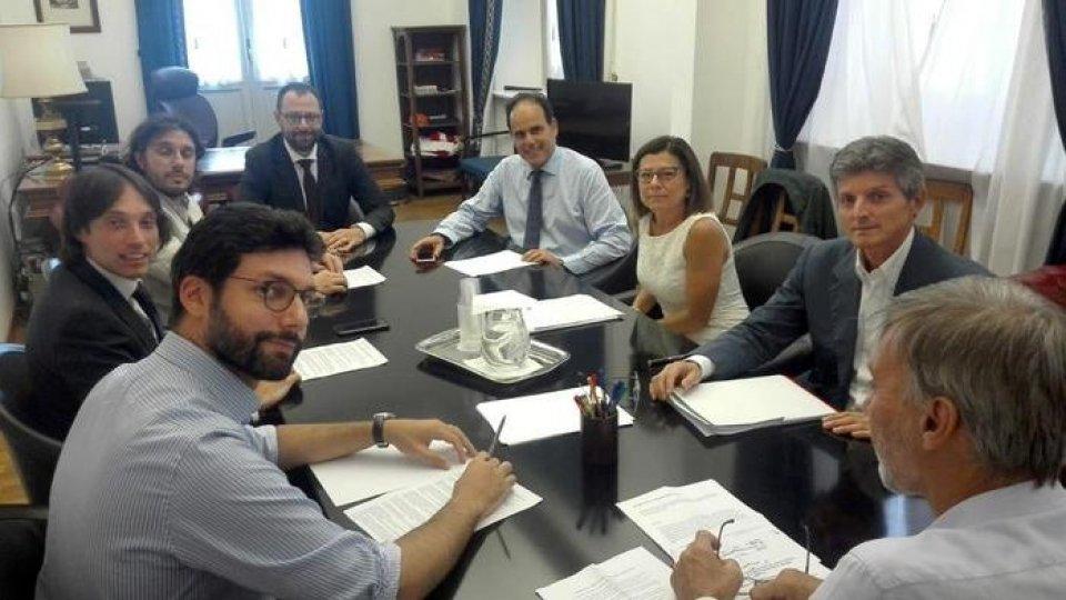 Delegazioni Pd-M5S a lavoro. Foto ansa