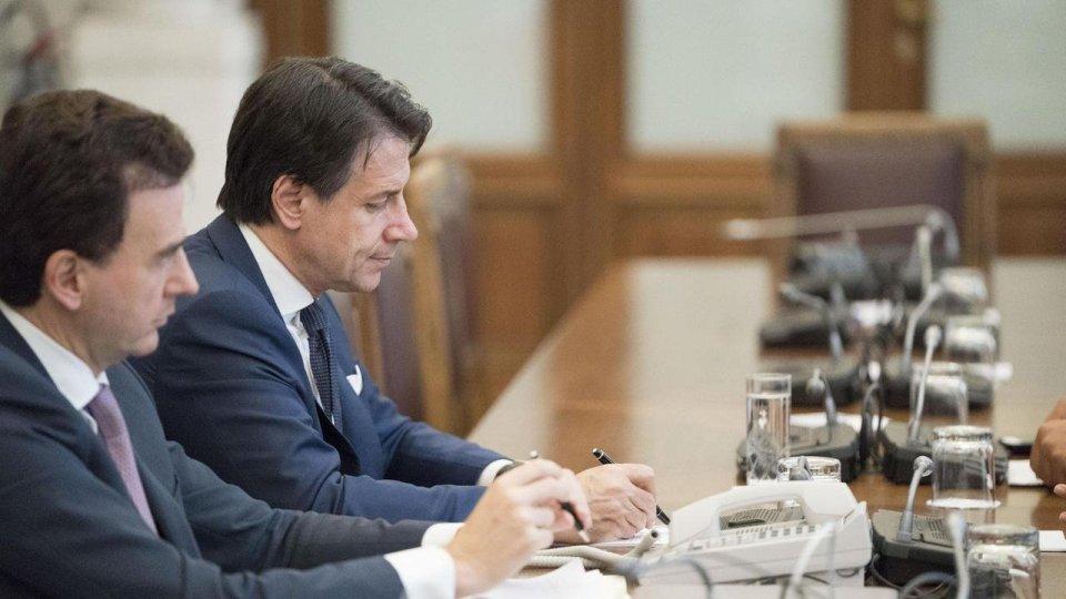 Governo: Conte incassa il sì di LeU e Autonomie