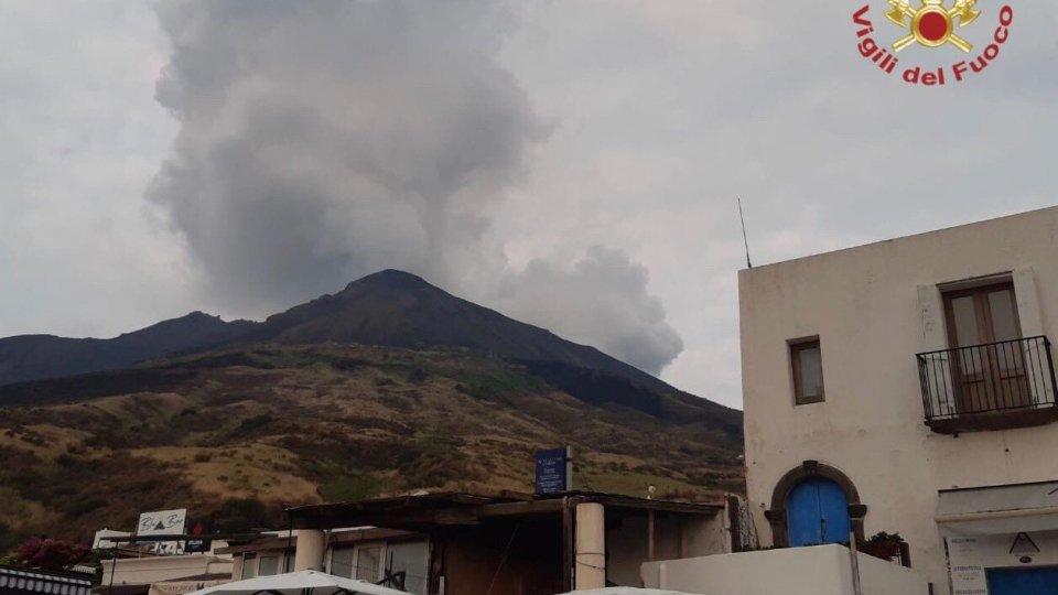 Stromboli: Protezione civile, sale livello d'allerta