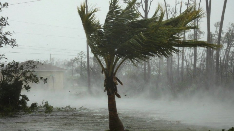 Uragano Dorian declassato a categoria 2: nelle Bahamas cinque morti