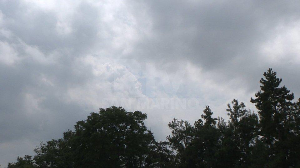 Meteo: oggi pioggia, weekend fra nuvole e schiarite