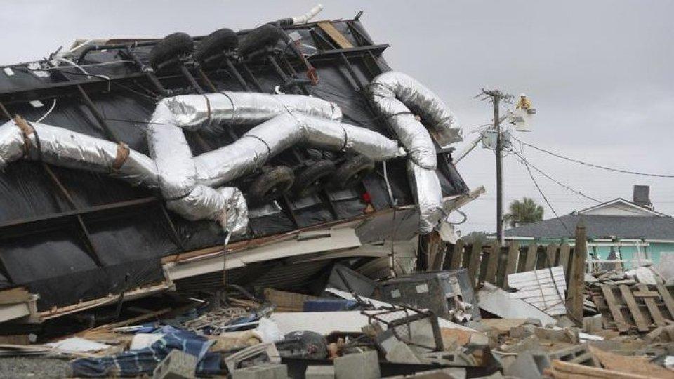 Gli effetti dell'uragano Dorian. Foto ansa