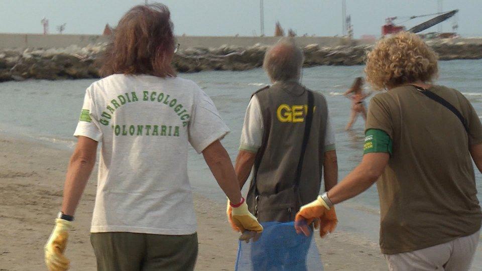 lotta alla plastica in mare