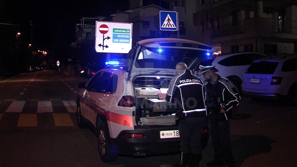 Serravalle: 14enne sullo scooter si scontra con un'auto
