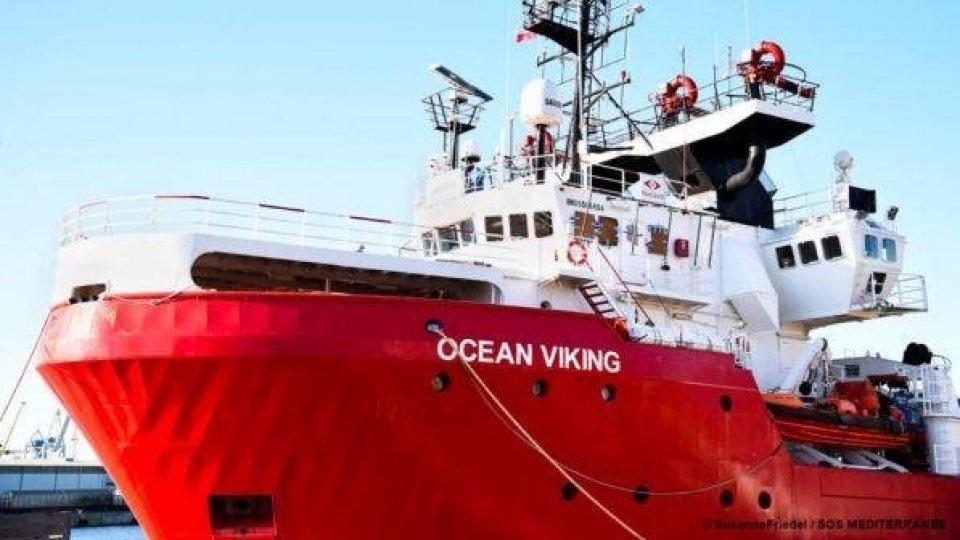 """Porto sicuro"" alla Ocean Viking. La nave sbarca a Lampedusa"