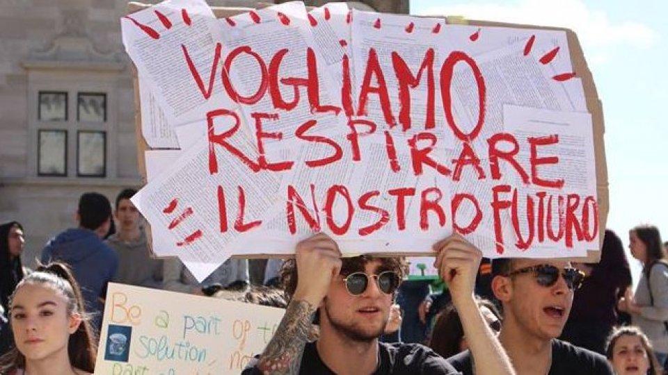 """""""Our house is on fire"""": anche San Marino sciopera contro il riscaldamento globale"""