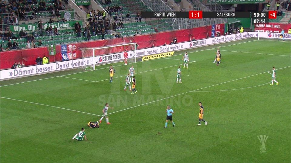 Il Salisburgo supera il Rapid Vienna 2-1 a pochi secondi dai calci di rigore