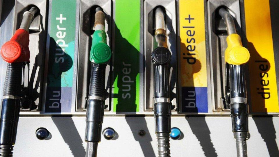 Rischio rincari per il gasolio, ipotesi allineamento al prezzo della benzina