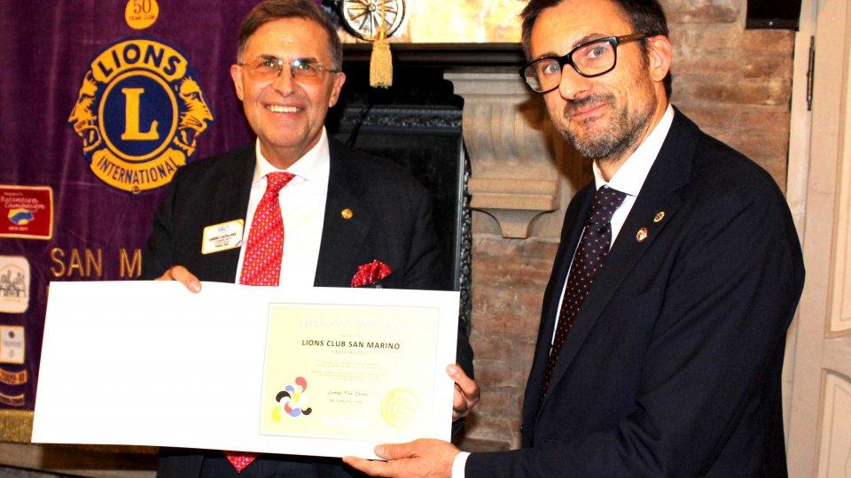 Il Past Direttore Internazionale Sandro Castellana e il Presidente del Lions Club San Marino Marco Giancarlo Rossini.