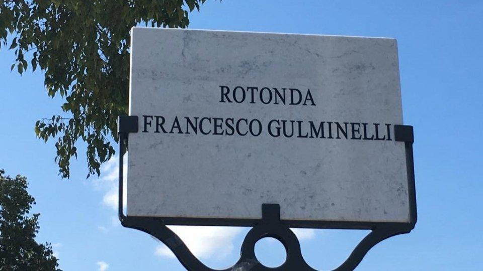 """Rotatoria """"Gulminelli"""": svelata questa mattina la targa in ricordo del sindacalista riminese in via Caduti di Marzabotto"""