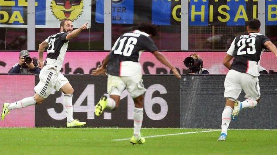 foto @ansaSentiamo gli allenatori: Maurizio Sarri Juve e Antonio Conte Inter