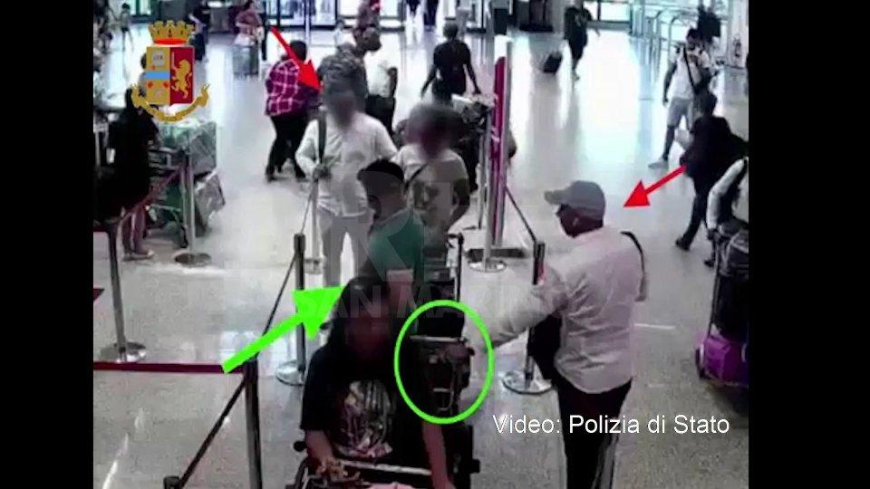Il video dei furti (Polizia di Stato)