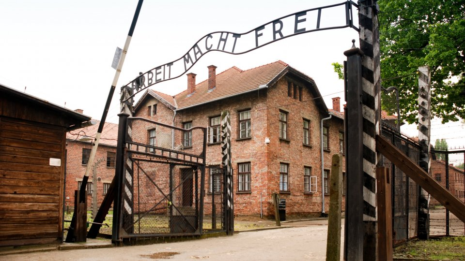 Scuola Secondaria Superiore: terzo viaggio verso Auschwitz