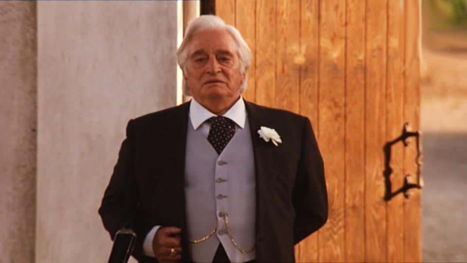 """Carlo Croccolo nel film """"Tre uomini e una gamba"""""""