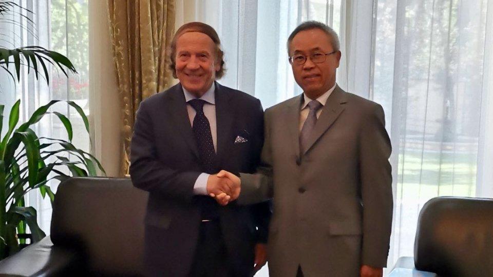 Il Presidente dell'Associazione San Marino-Cina Gian Franco Terenzi a Roma in visita all'Ambasciata della Repubblica Popolare Cinese in Italia