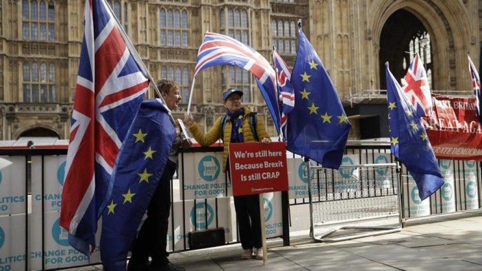 Raggiunto, a Bruxelles, un accordo per l'addio di Londra all'UE