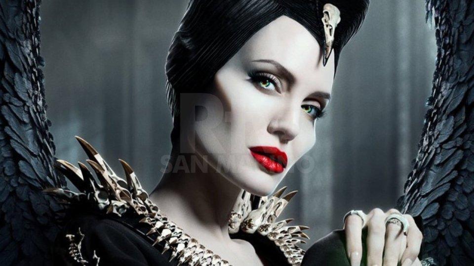Angelina Jolie nei panni di Maleficent