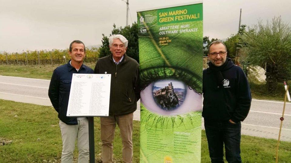 100 piante 'adottate' lungo il perimetro del campo da golf per una Repubblica più green