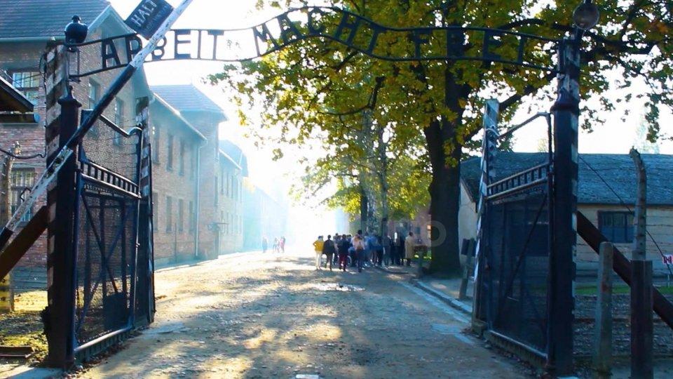 I cancelli del campo di Auschwitz-Birkenau