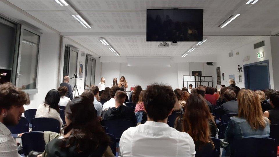 Grande partecipazione e successo di pubblico per la prima Notte Bianca del Liceo Economico Sociale (LES) di Rimini