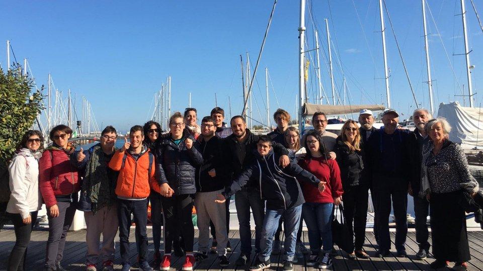 Con Marco Rossato l'uscita in mare dei ragazzi della fondazione ENAIP  Zavatta e del servizio educativo La Luna della Papa Giovanni XXIII