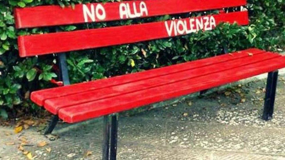 CGIL Rimini: Una panchina rossa contro la violenza