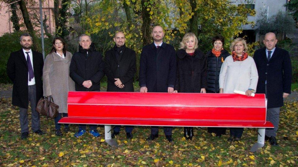 """Comitato Nazionale Sammarinese Fair Play: """"La Panchina Rossa"""", simbolo contro la violenza sulle donne"""