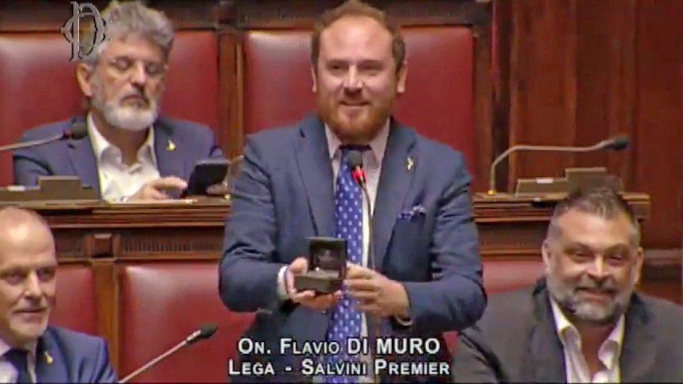 Dalla rissa in Aula alla proposta di matrimonio in diretta: a Montecitorio accade di tutto