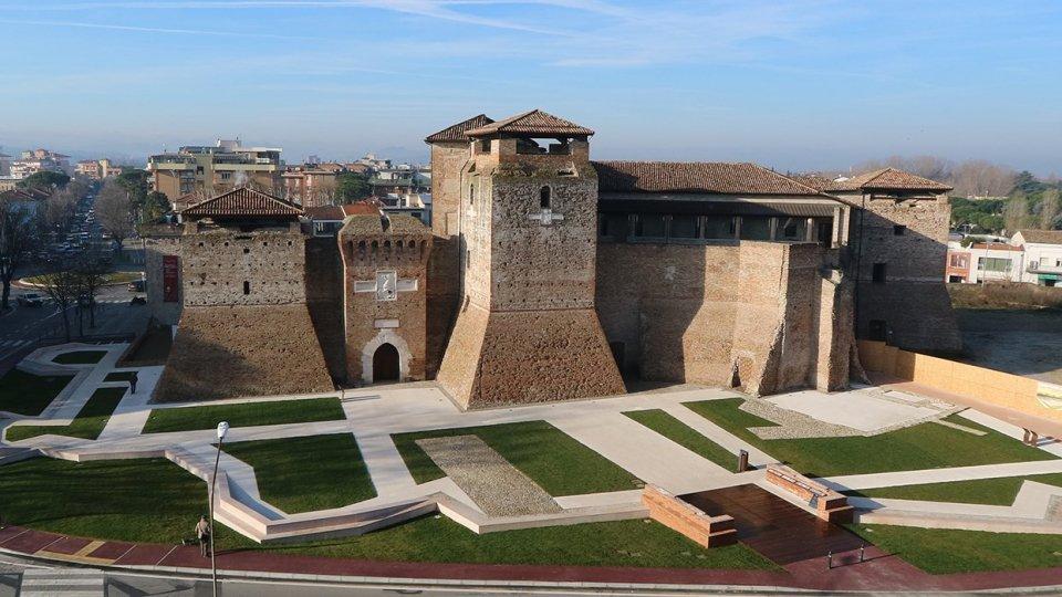 Rimini può aumentare la tassa di soggiorno fino a 10 euro, ma deciderà il sindaco