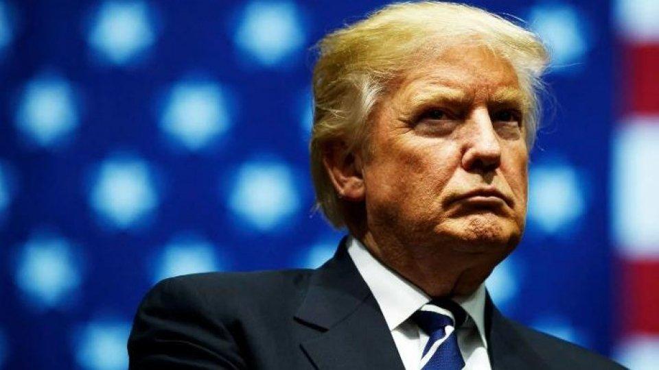Trump al vertice Nato, scontro con Macron sui dazi