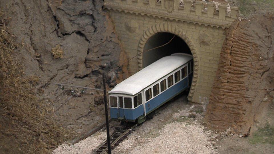 Atba: i ricordi e le immagini del treno bianco azzurro a 91 anni dalla posa della prima pietra
