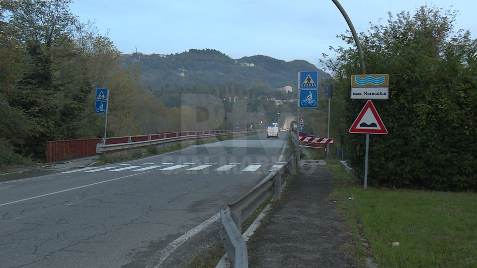 Ponte Verucchio a senso unico alternato dopo le forti piogge