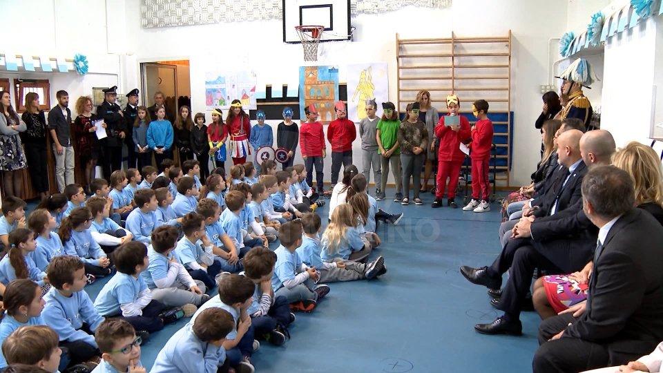 Le visite della Reggenza alle scuole elementari di Borgo Maggiore, Acquaviva e Chiesanuova