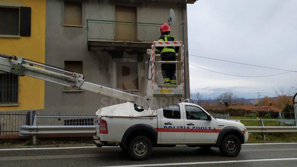 Nel primo pomeriggio rimosso dal tetto di una abitazione a San Giovanni un masso che rischiava di precipitare sulla strada