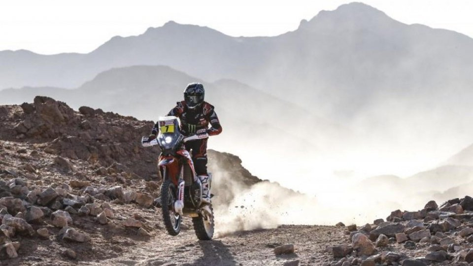 Dakar 4° tappa: in testa Benavides e Peterhansel